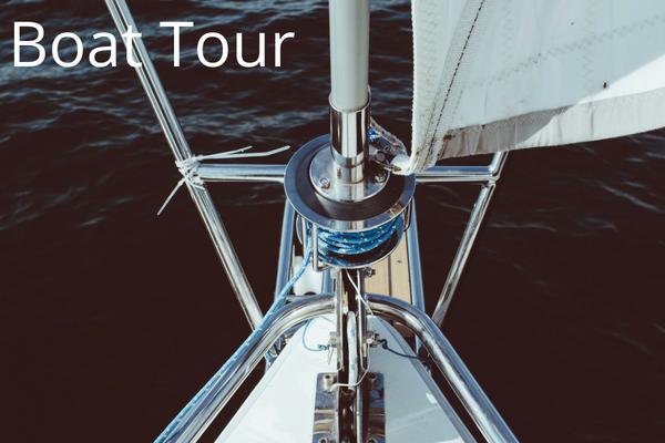boat tour Santorini