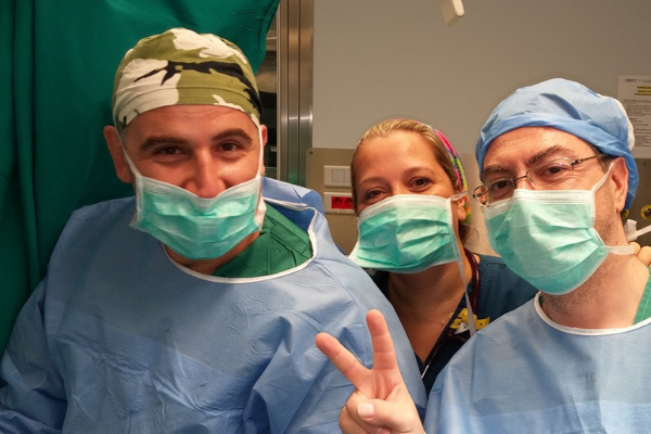 χειρουργική ομάδα Γιάλβαλη